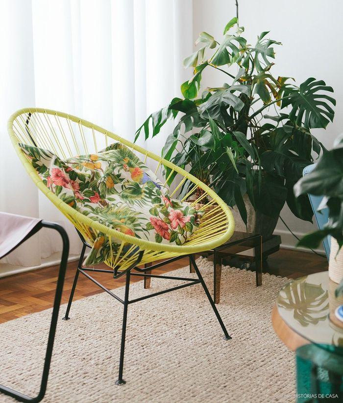 Vintage Einrichtungsideen, Wohnzimmer, Retro Stuhl mit Deko Kissen - einrichtungsideen