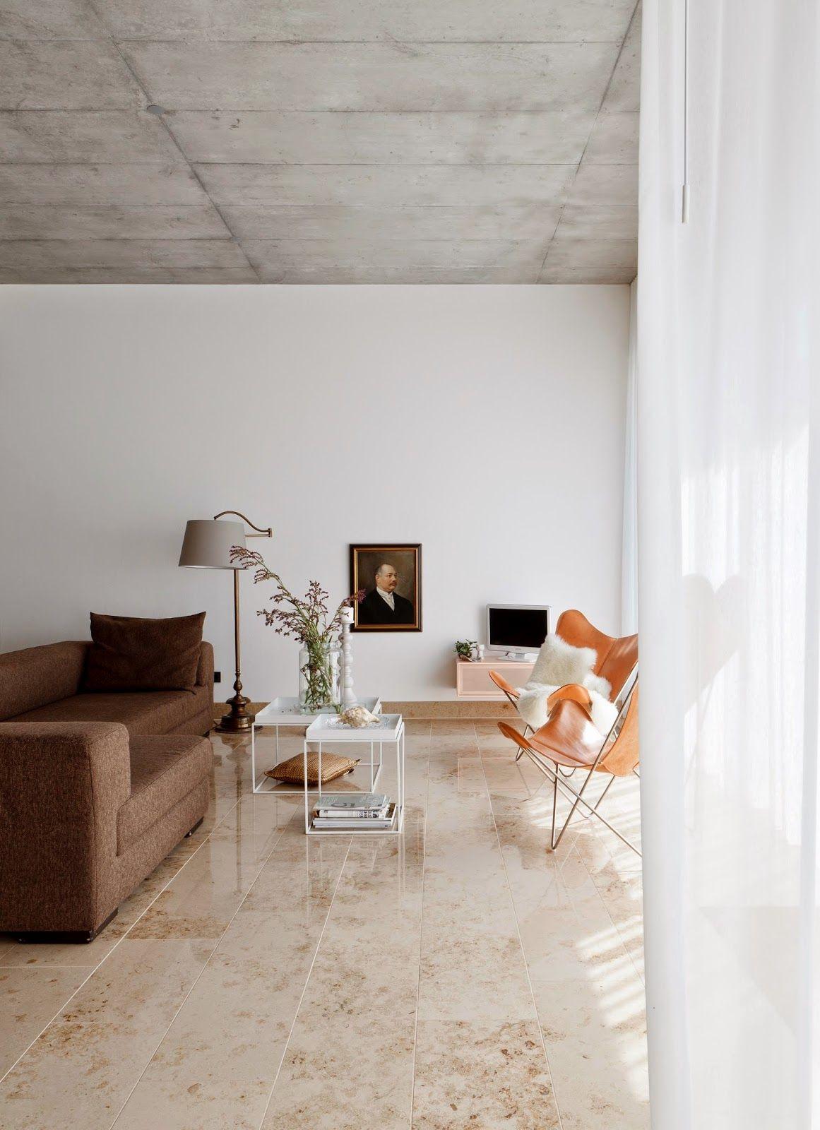 Un Papier Peint Imitation Béton Brut Au Plafond, Ou Même Des Dalles En Béton  Ductal. Interior ...