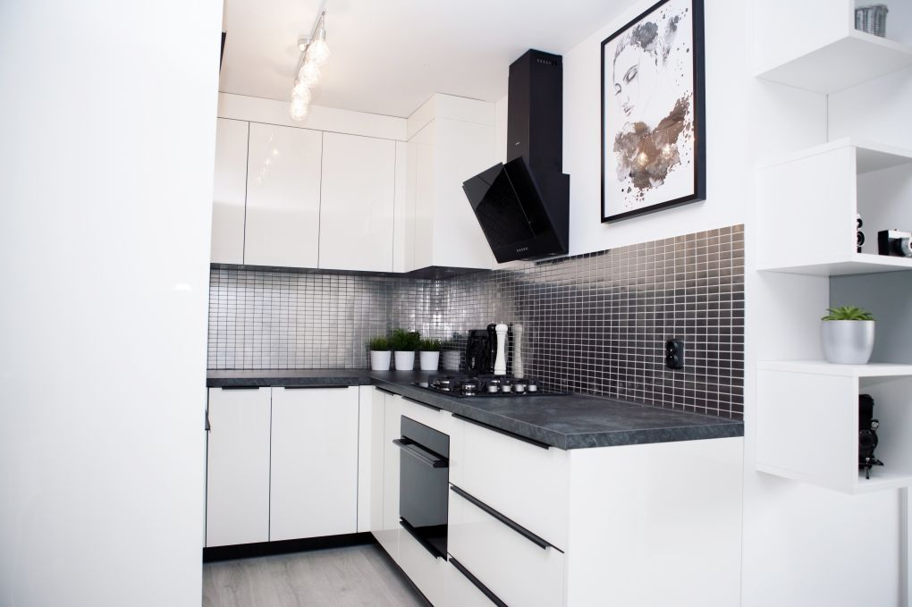 U shaped kitchen ideas   check out my small kitchen without ... on small kitchen without upper cabinets, small kitchen with window, bedroom without window, kitchen sink window, small kitchen no window, sitting room without window, air conditioner without window,