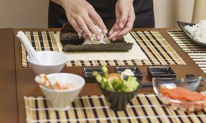 Apúntate a aprender a hacer sushi en Madrid :) http://gr.pn/1pAtzDq