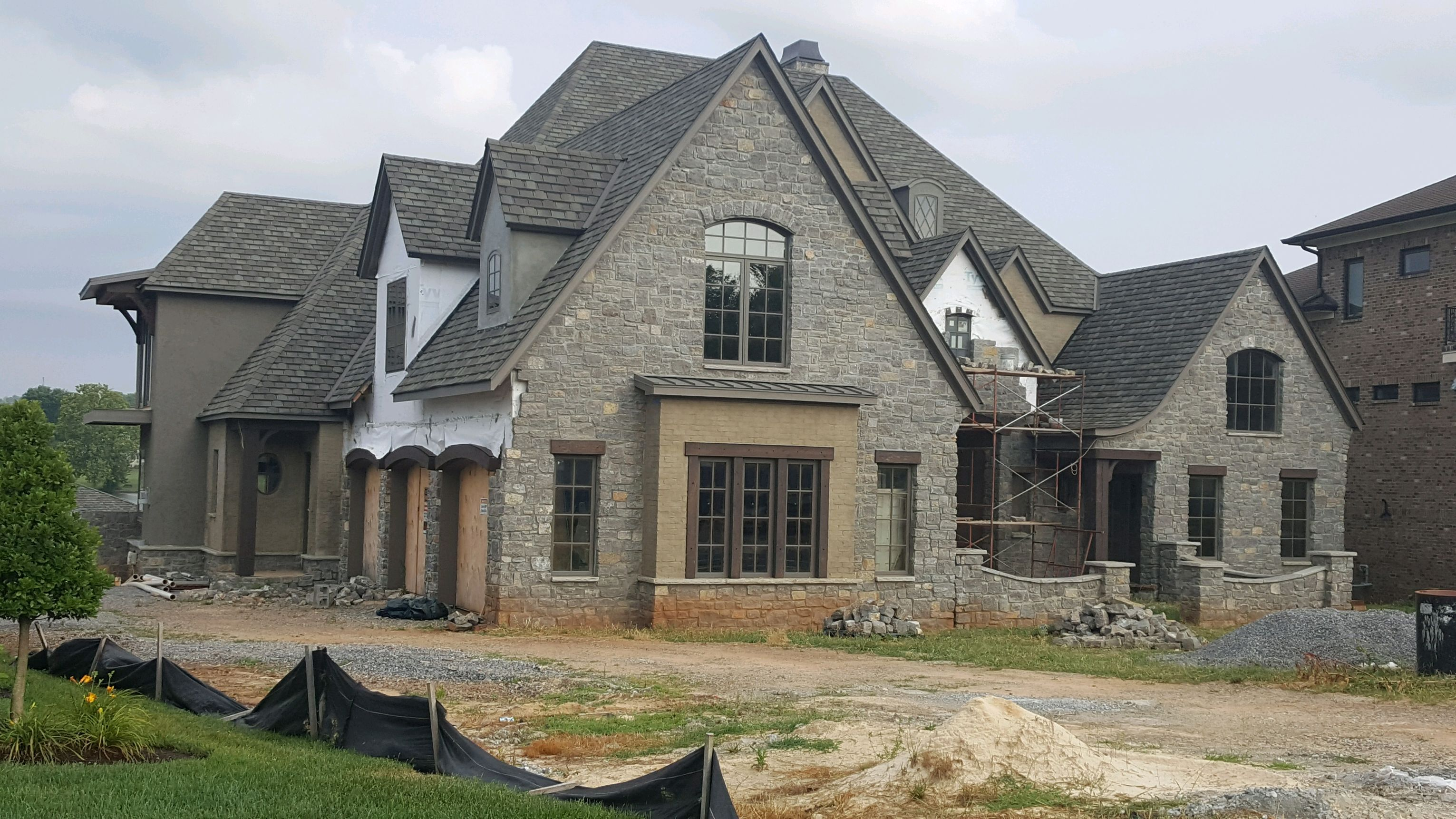 Residential Roof Replacement Knoxville Tn Burell Built Exteriors Roofing Company Llc In 2020 Roofing Contractors Roofing Residential Roofing