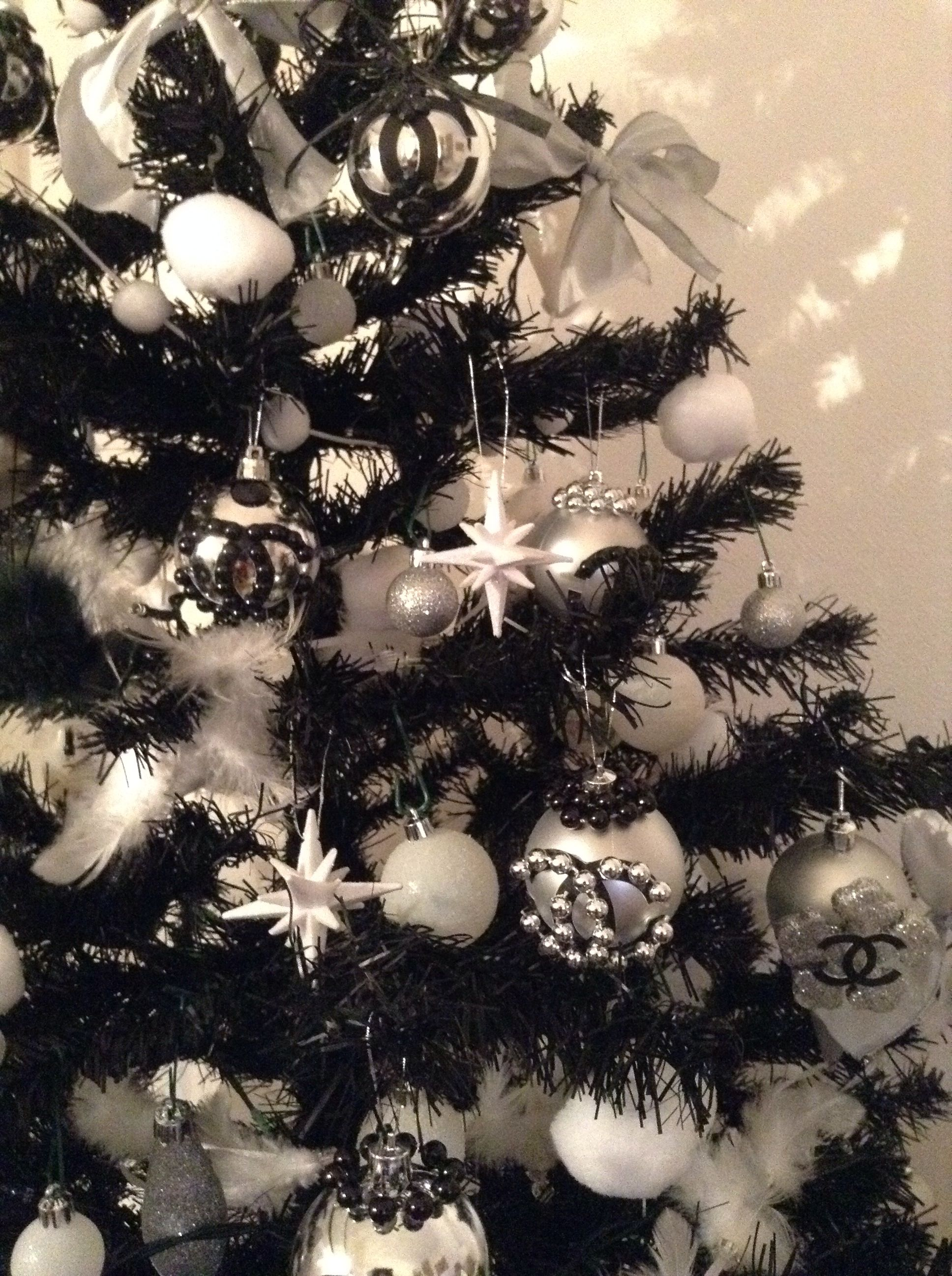 c6c1933137e Christmas Tree Sapin De Noel Chanel By Clara Giua I Love Xmas
