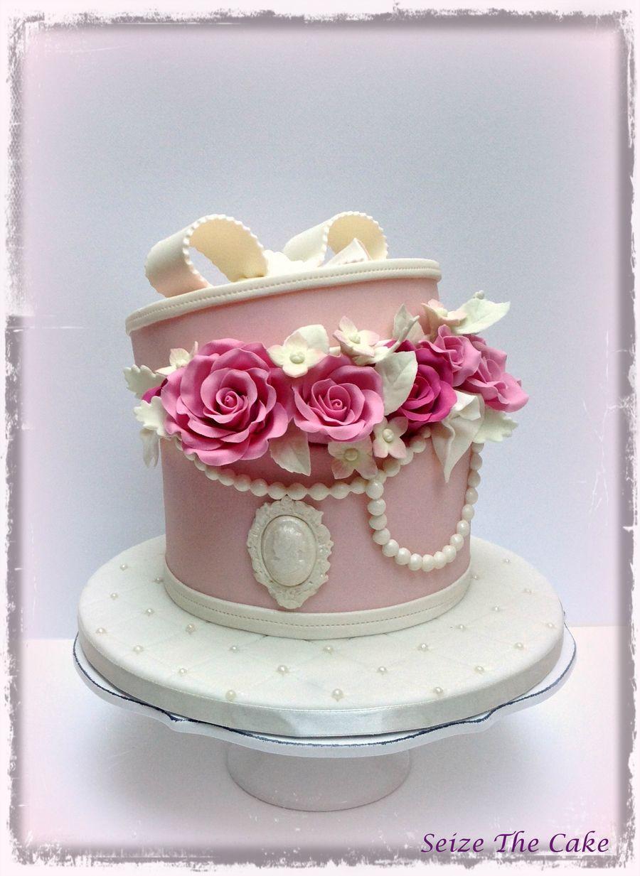 Vintage Hatbox Cake with sugar roses. Hat box cake, Gift