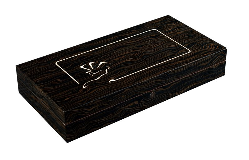 Buckingham luxury poker box is distinguished by the natural swirled ebony veneer finish, complimented by the 'Mysterio' hand maple veneer inlay