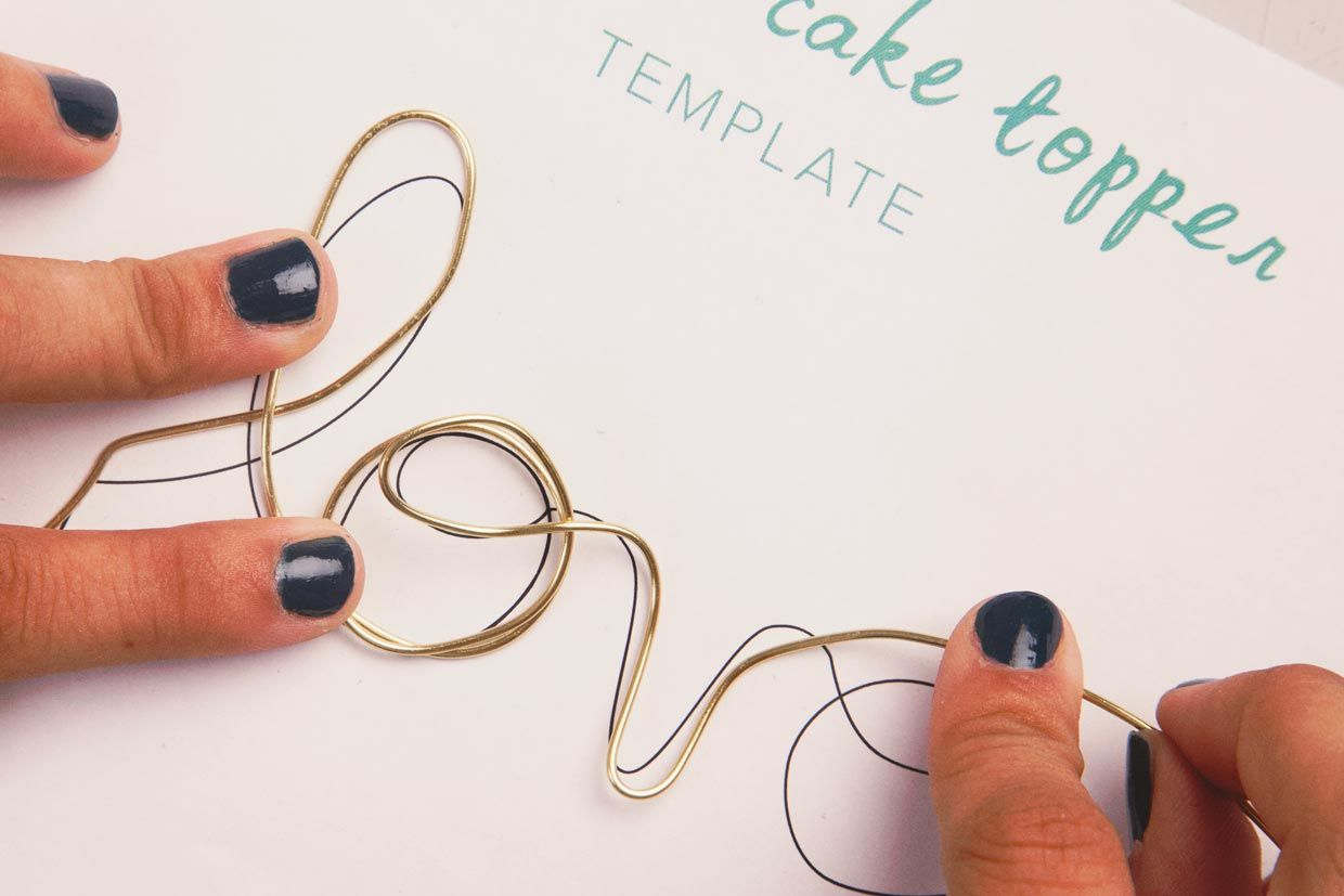 Gold Wire Cake Toppers - WIRE Center •