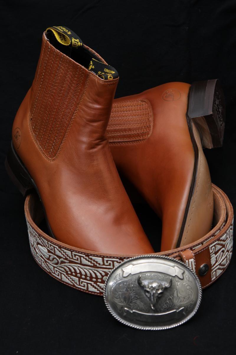 El Charrito Tailor Shop - Sombreros 666688ede8be1