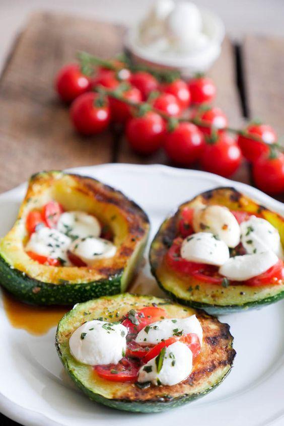 Gegrillte Zucchini Tomate-Mozzarella Low Carb   Rezept ...