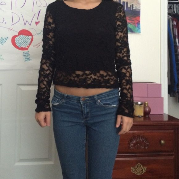 lace F21 top only worn once!! Forever 21 Tops Blouses