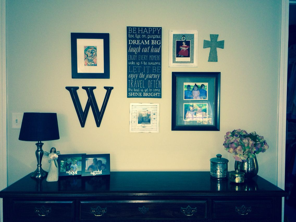 Finished product, bedroom wall. So glad I used the waxed paper ...