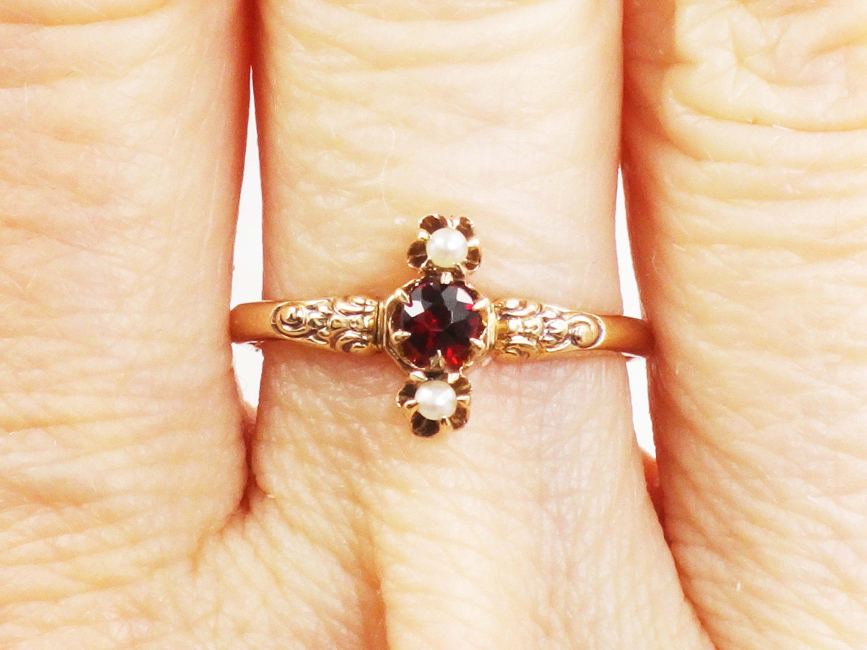 Minimalist Vintage 10k Gold Garnet Birthstone Ring January Engagement Stackable