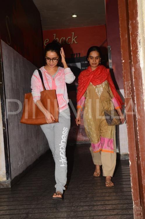 Why Did Shraddha Kapoors Mom Break Down On The Sets Of Her Haseena Biopic