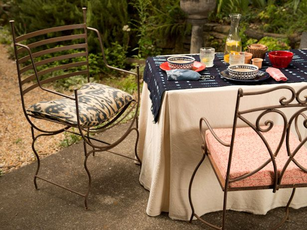 Make a Fitted Tablecloth in Two Hours >> http://blog.diynetwork.com/maderemade/how-to/dress-up-a-folding-table-with-a-fitted-tablecloth/?soc=pinterest