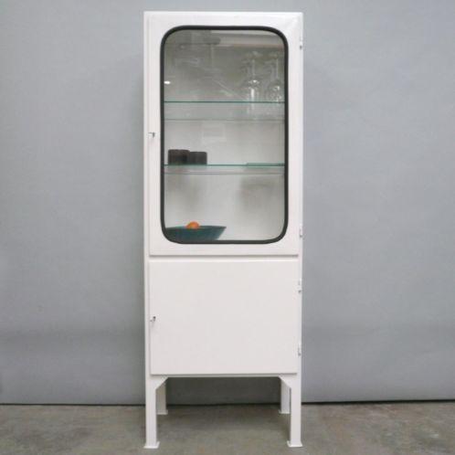 Vintage medicijnkast / apothekerskast - Badkamer | Pinterest ...
