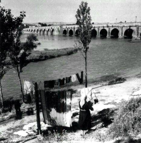 Lavanderas en el Puente romano