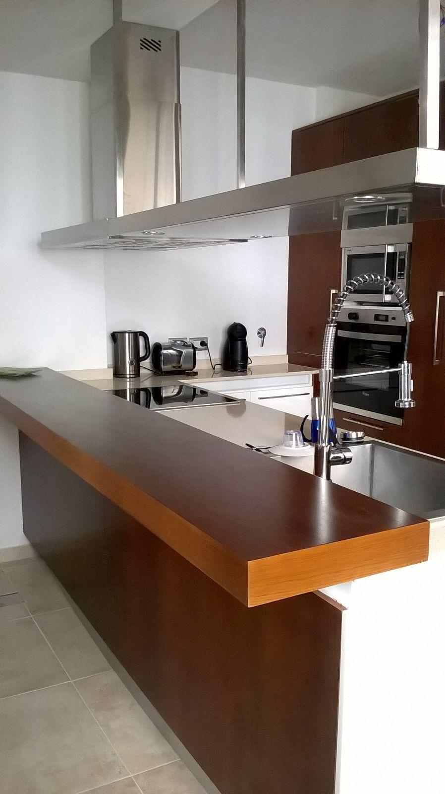 L nea continental laqueado brillante se combin la barra - Cocinas con barra ...