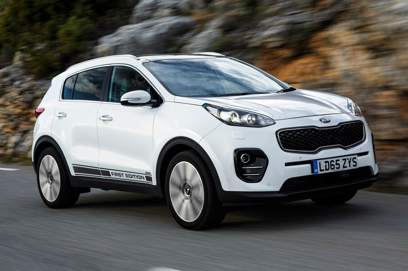 Kia Sportage First Edition 2.0 CRDi (2016) review Kia