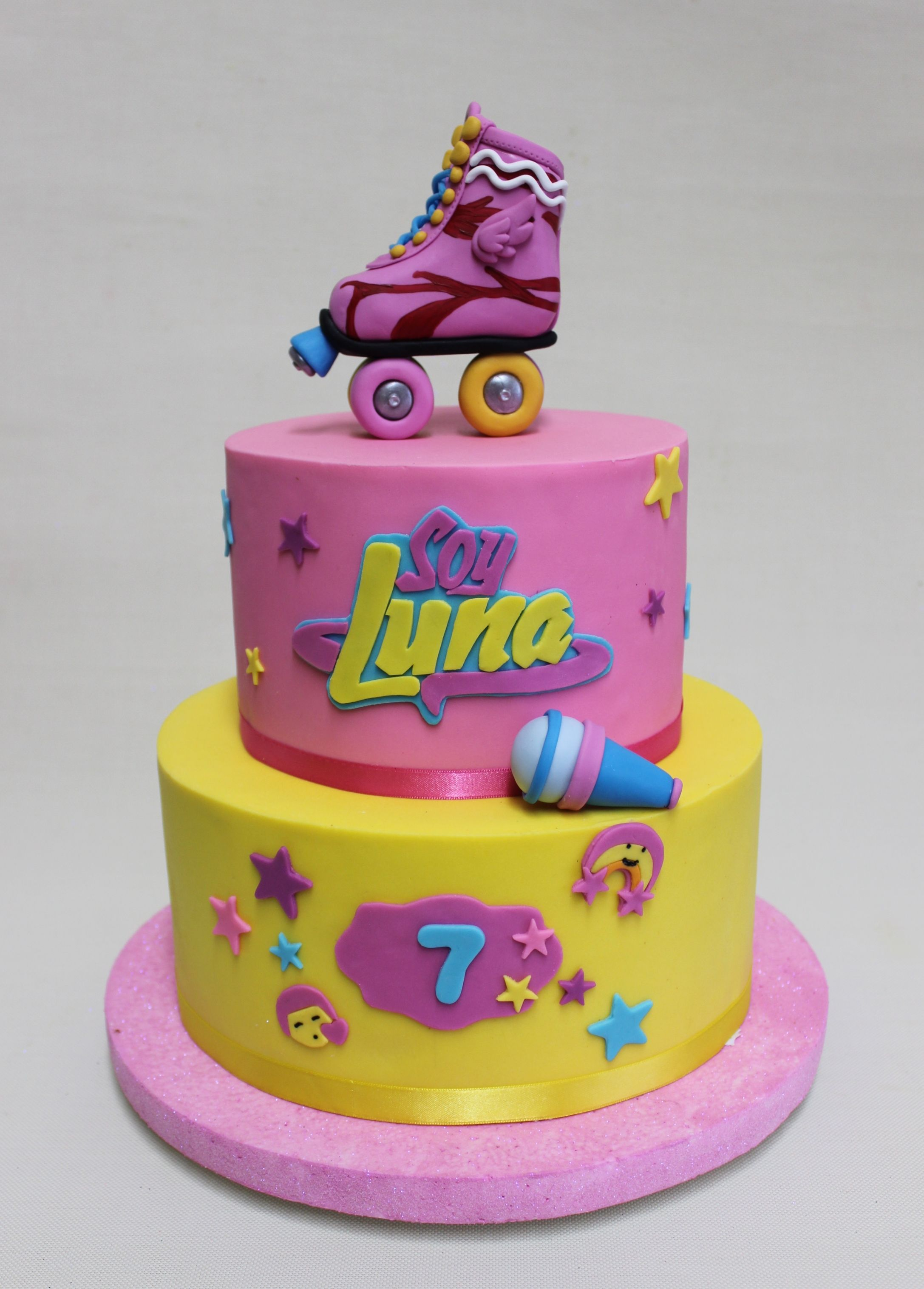 Torta soy luna violeta glace birthdays cakes pinterest for Un cuarto con luna facebook