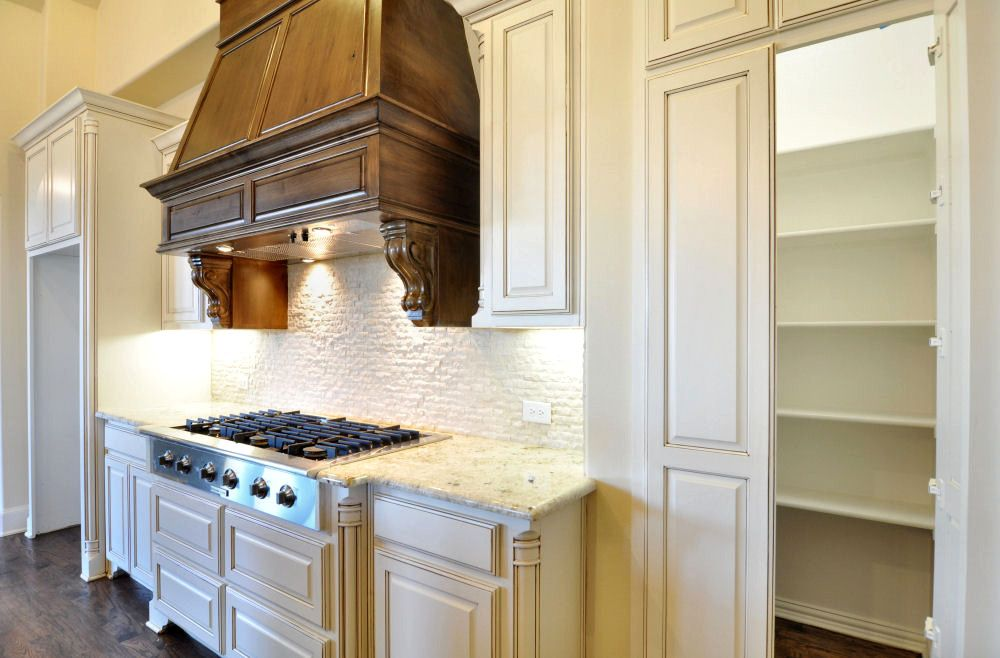 A large pantry is another great feature in a #ShaddockHomesTX home! #Kitchen #KitchenDesign