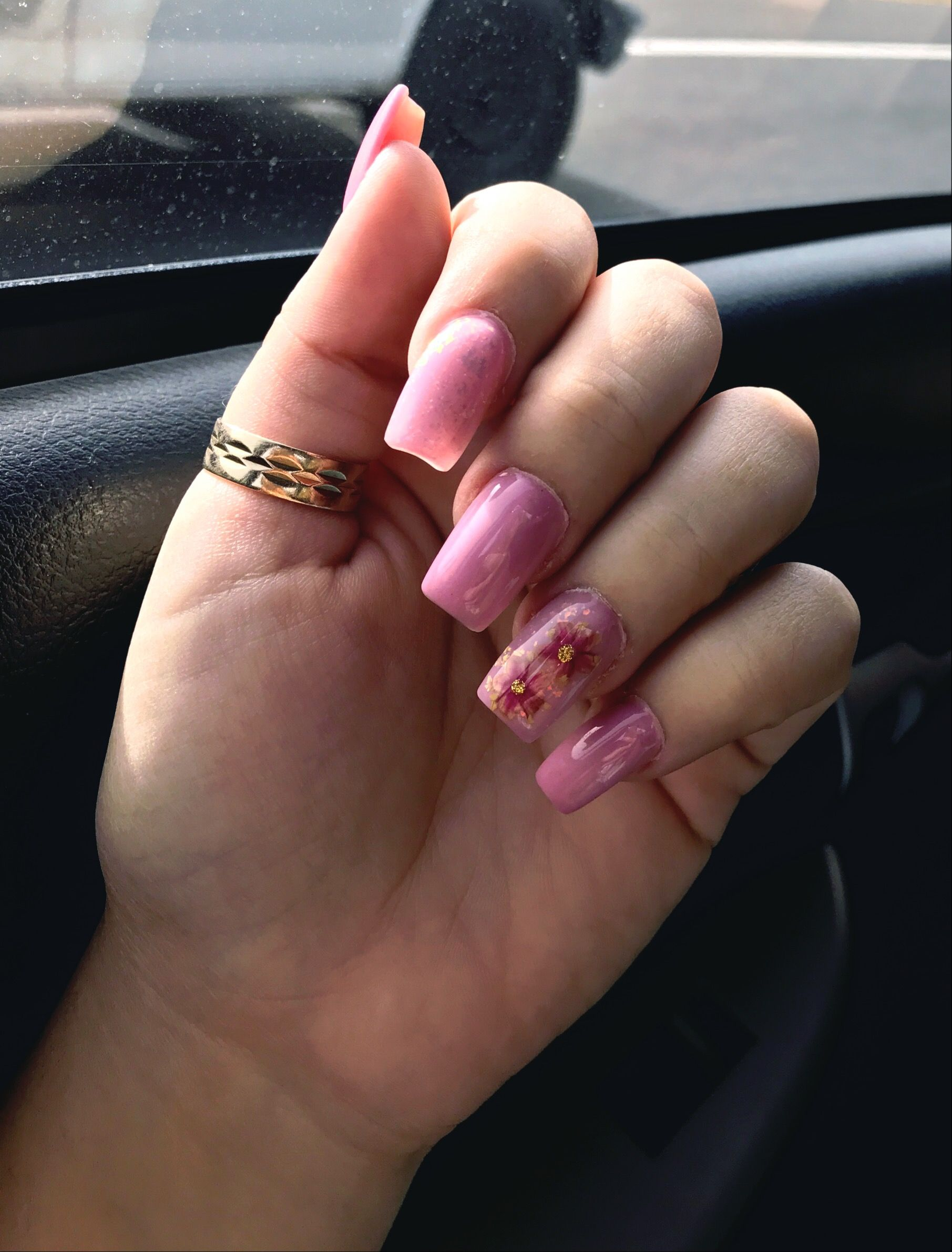 Pink nails with pressed flowers and iridescent flakes | Toenail ...