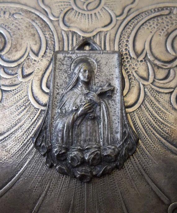 1920's Art Deco Silver Saint Therese De Lisieux, Sancta Teresia A Jesu Infante, French Catholic Medal Patron Saint Of Florists, The Missions