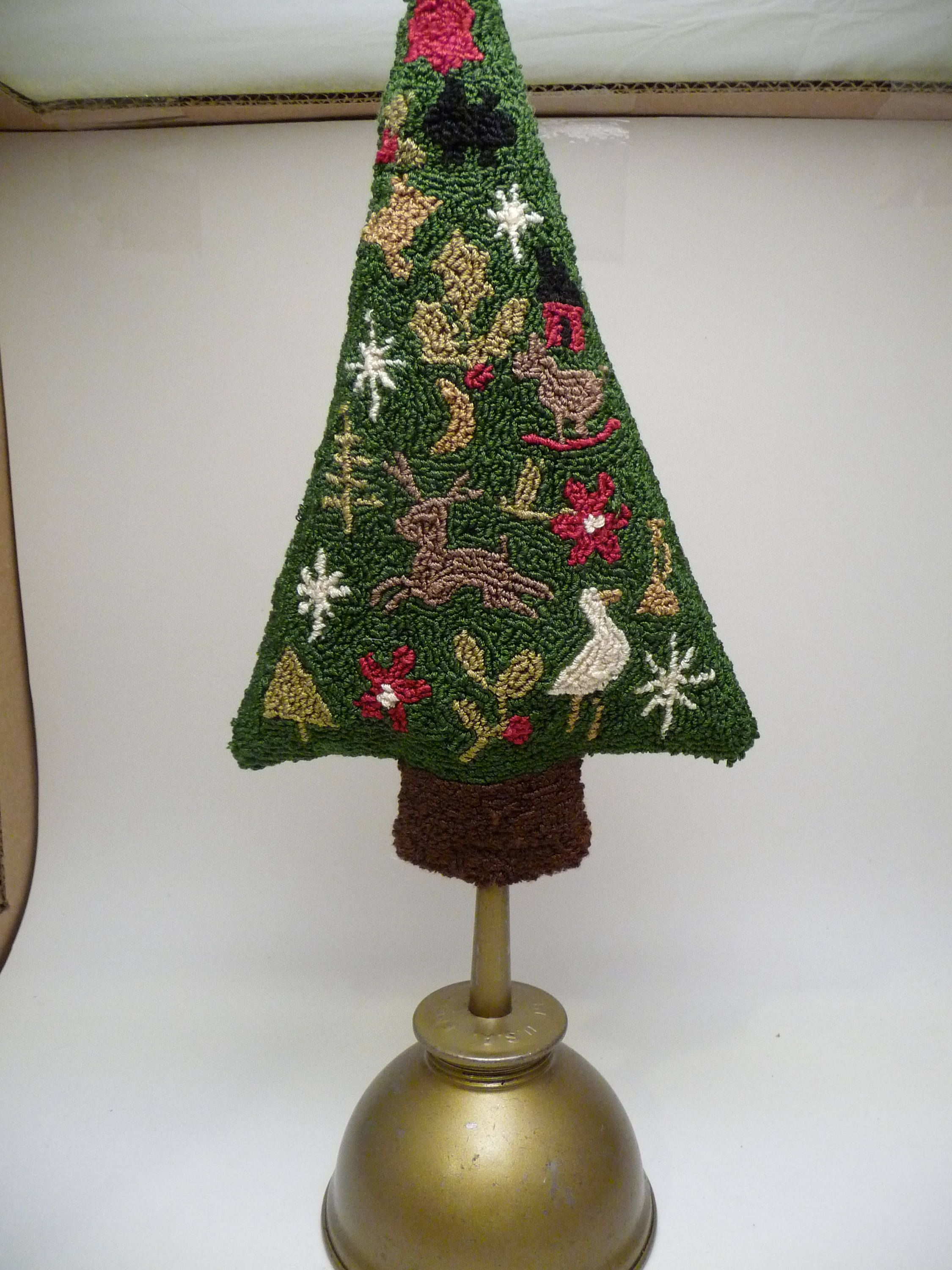 Mini Motif Punch Needle Christmas Tree Pattern By Auntieb56 On Etsy Christmas Tree Pattern Punch Needle Punch Needle Patterns