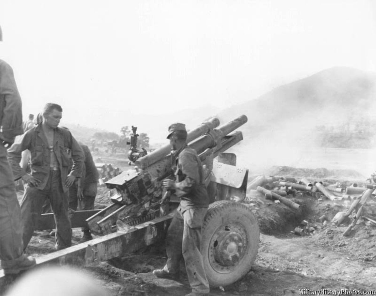 105 Mm Howitzer Korea 19500726 1 Jpg Korean War War Vietnam War