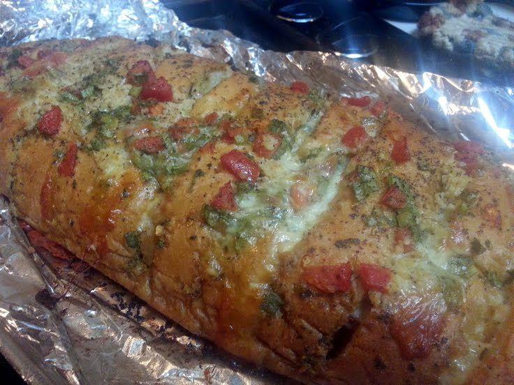 "Super AMAZING n' EASY Garlic Cheese Bread! 5.00 stars, 2 reviews. ""~(o.o)~"" @allthecooks #recipe"