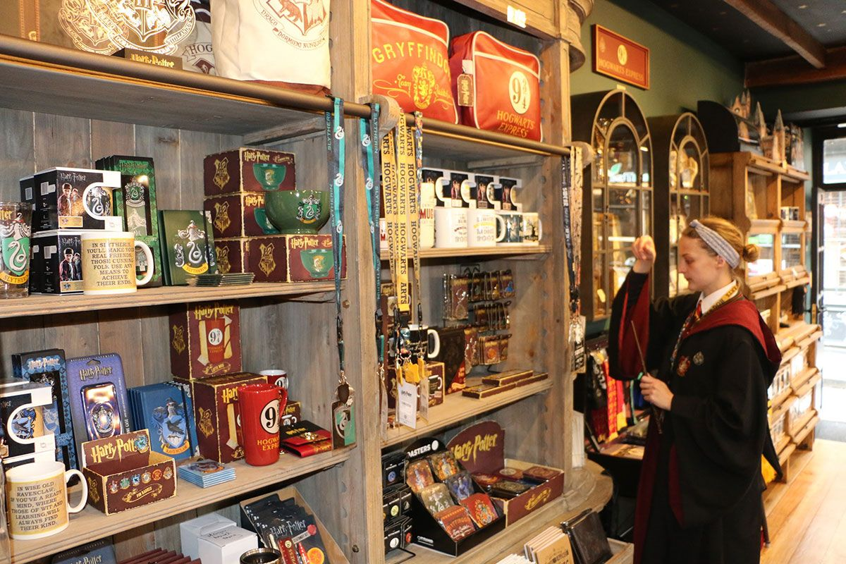 12th June 2017 The Shop That Must Not Be Named Magic Mug Harry Potter Shop Diagon Alley Harry Potter Trivia Questions