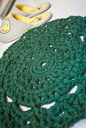 DISEÑO ALFOMBRA © 2014 todos los derechos reservados a lapeniscolana@gmail.com http://lapeniscolana.blogspot.com.es/2014/11/mi-primera-alfombra-de-trapillo.html