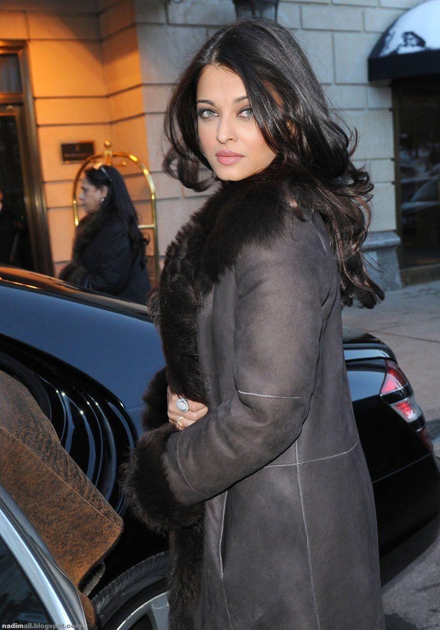 Aishwarya At New York Ladies Day Dresses Actress Aishwarya Rai Bollywood Actress Hot Photos