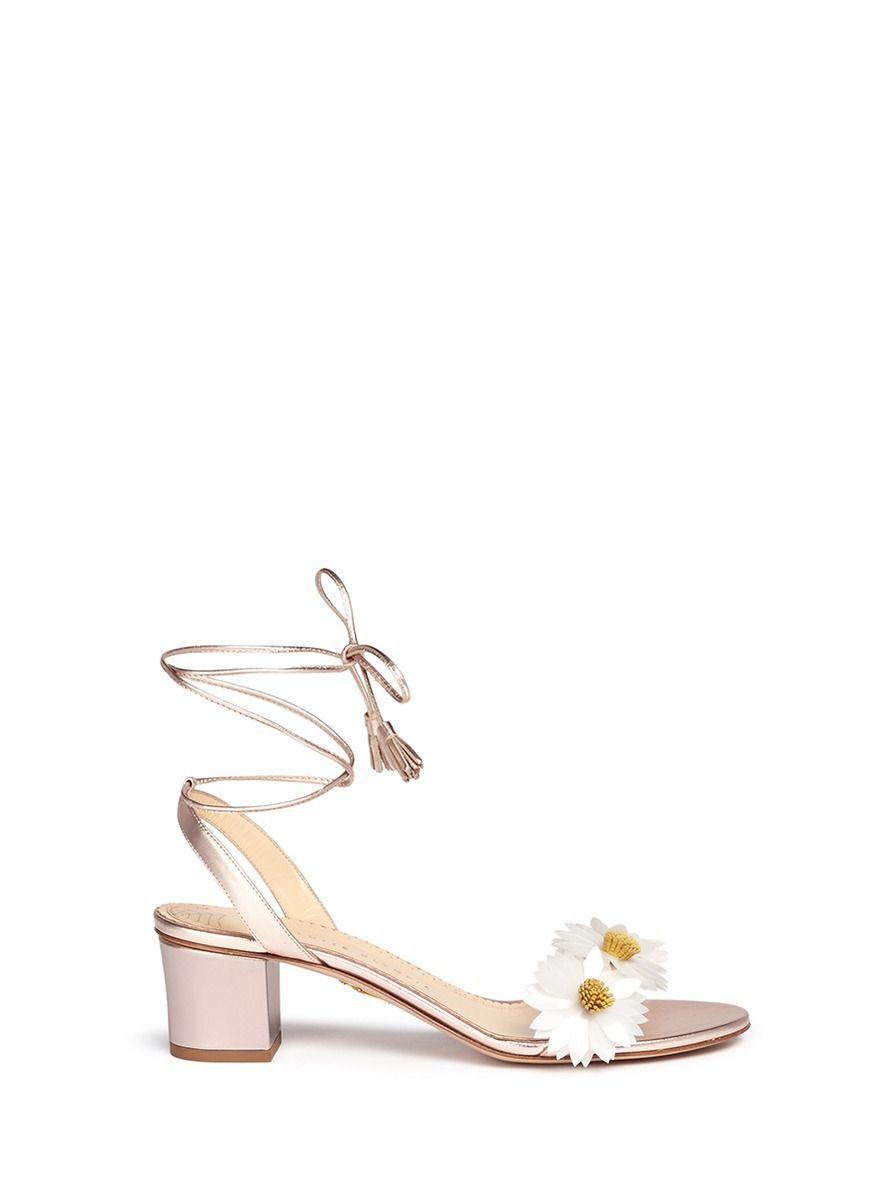 CHARLOTTE OLYMPIA 'Tara' daisy appliqué metallic leather sandals. #charlotteolympia #shoes #tara雏菊贴花纳帕真皮粗跟凉鞋