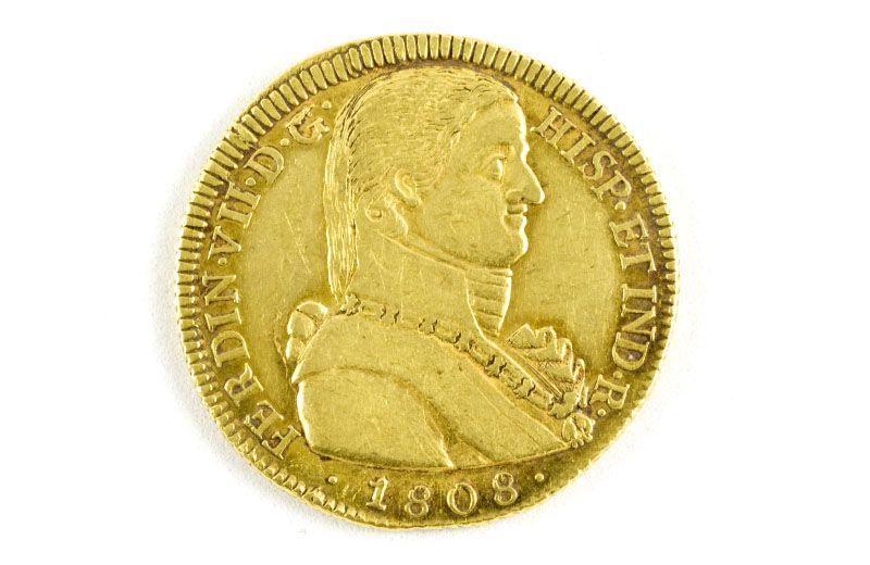 SUBASTA de MONEDA DE ORO DE OCHO ESCUDOS. Moneda de oro fino de ocho escudos de Fernando VII. Año 1808. CECA Santiago de Chile - F.J. Peso 7,1 grs. Estado MBC+ #subastasdejoyas