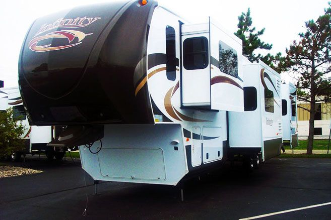 Dutchmen RV Infinity FL Front Living Room Fifth Wheel For Sale ly
