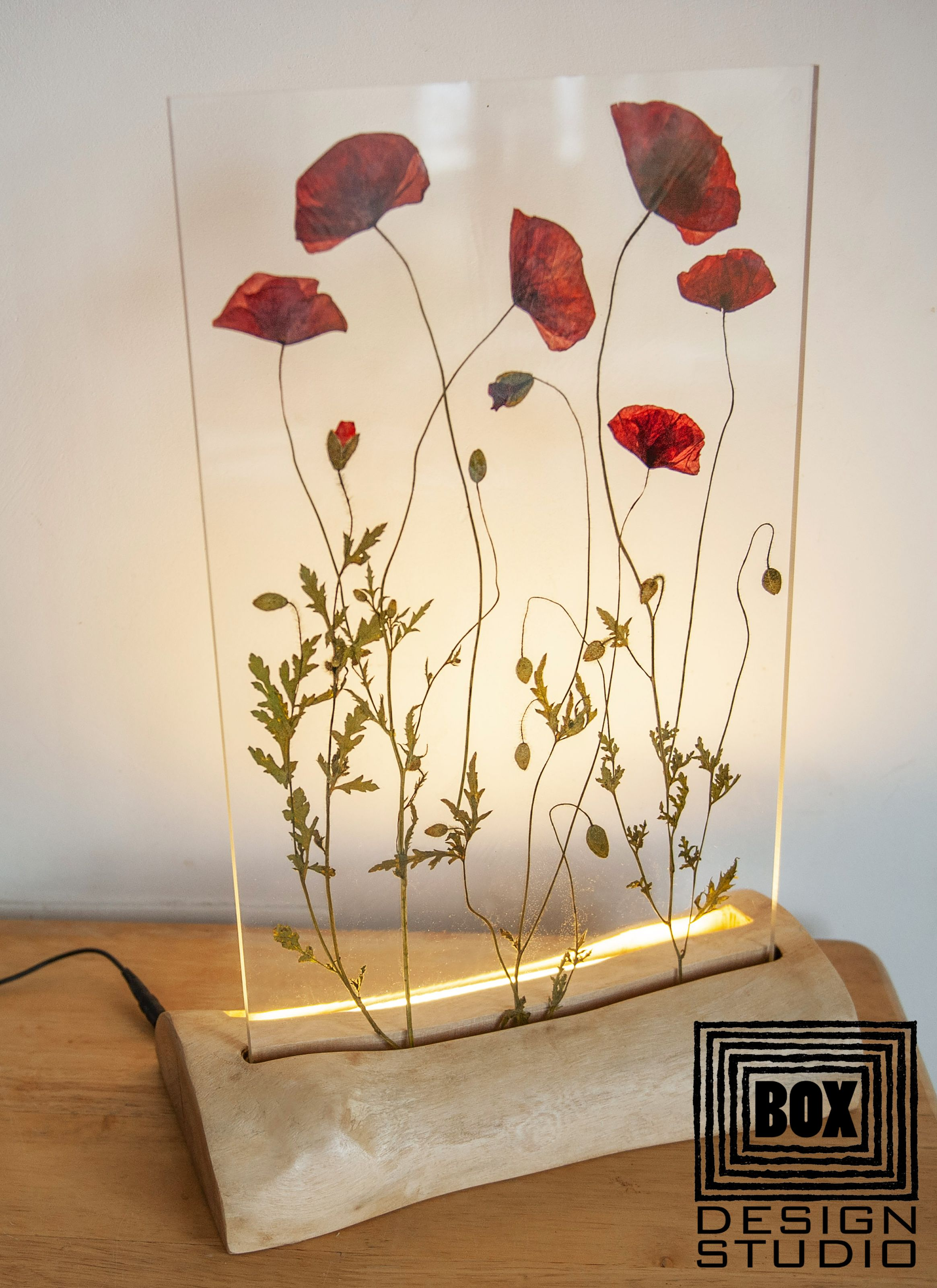 Birthday Gifts For Her Gift For Mom Epoxy Resin Flower Table Etsy In 2020 Diy Resin Art Resin Crafts Resin Wall Art