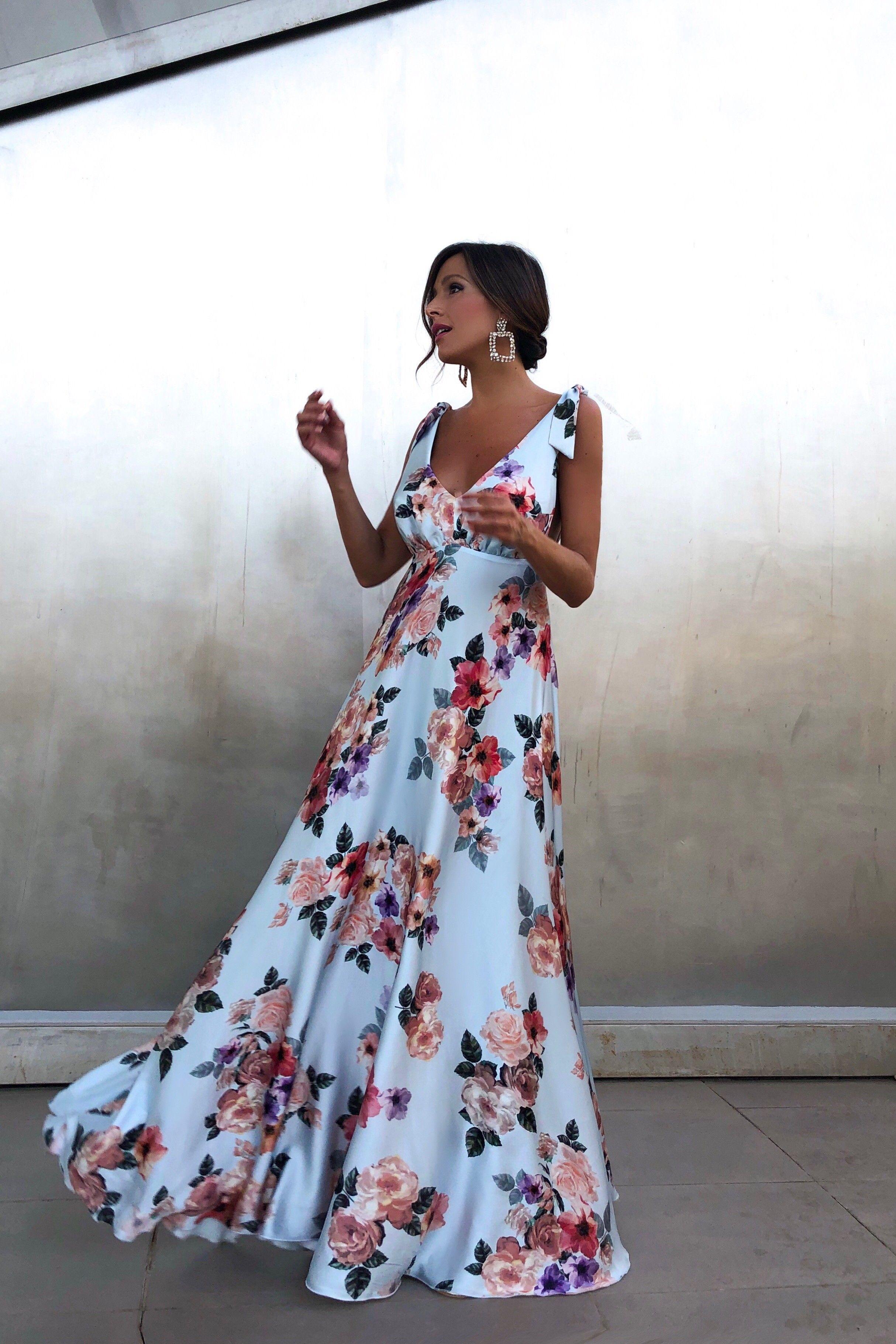 Vestido Alba Celeste Rocío Osorno Diseñadora De Moda Sevilla Vestidos Largos Para Boda Vestidos De Flores Largo Vestidos De Fiesta Verano