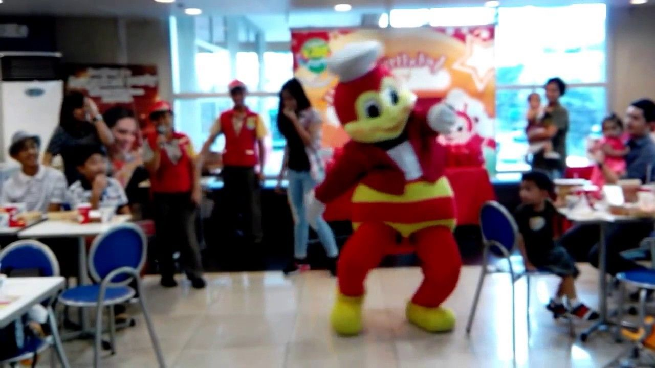 jollibee song and dance jollibee showdown watch me whip vs trish