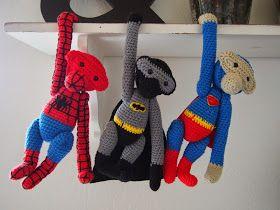 Spiderman, batman og superman hænger nu på ræd og række. De er lavet ud fra den berømte Kay Bojesen opskrift. Og så har jeg bare tryllet op...