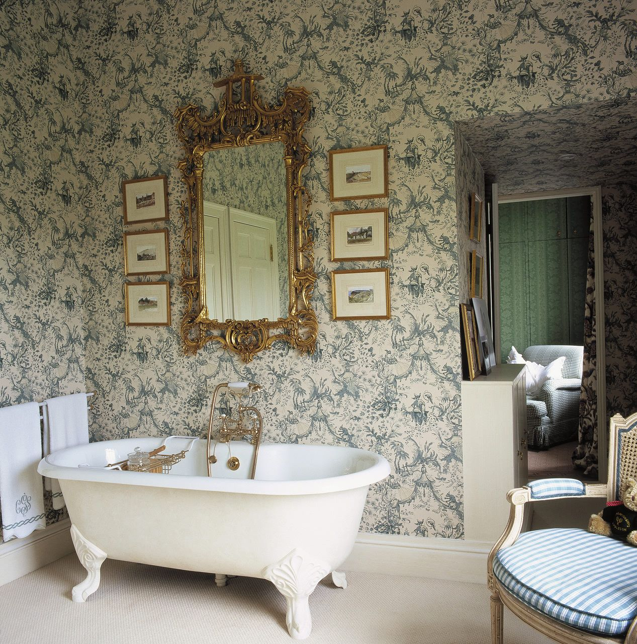 Interior Victorian Bathroom Design With Claw Foot Bathtub And Intricate Mirror Inspiration Floral Fruit