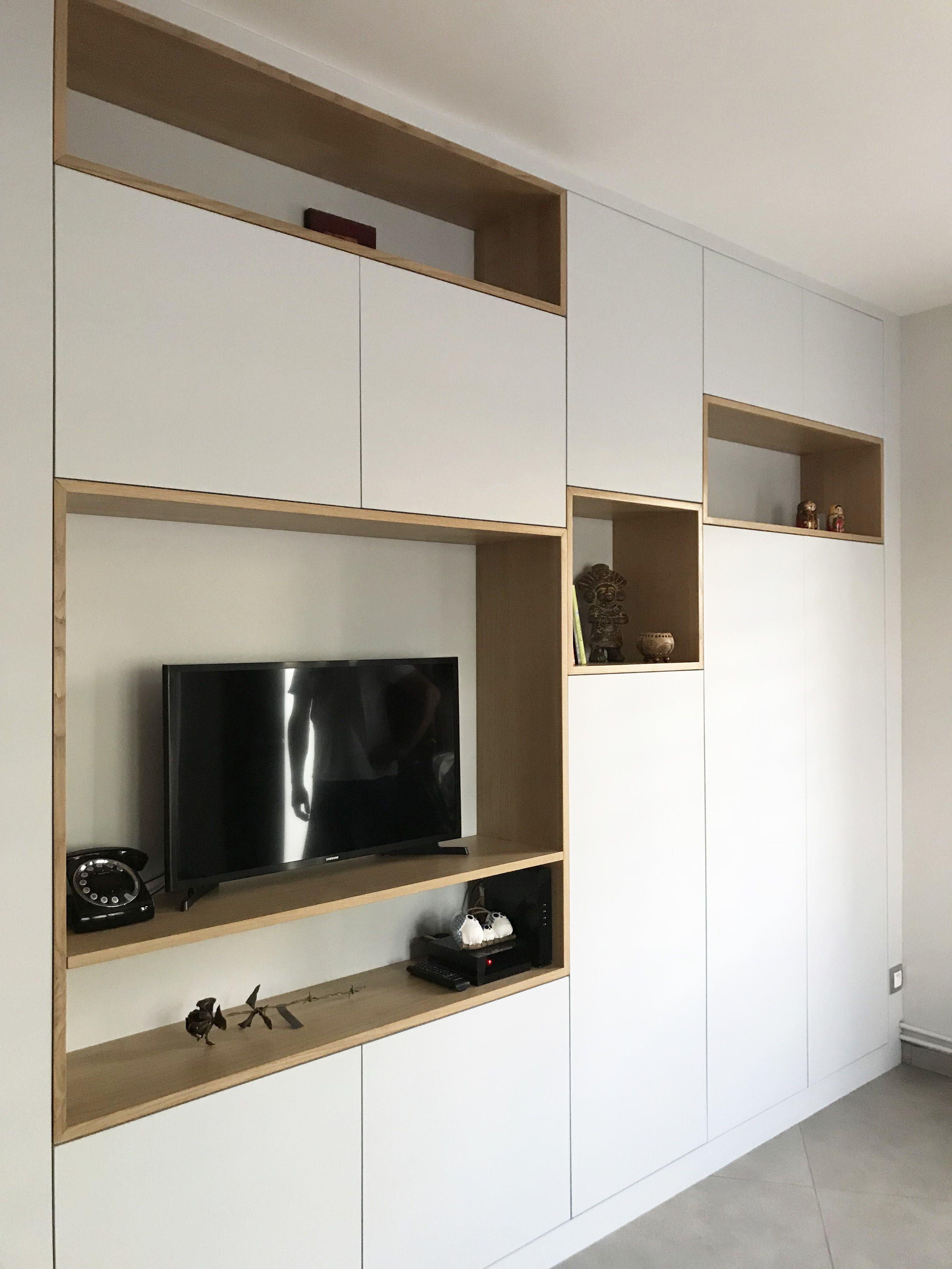 Meuble Tv Sur Mesure Comprenant Une Penderie Et Des Rangements Chaussures Meuble Tv Chambre Meuble Tv Rangement Amenagement Petit Appartement