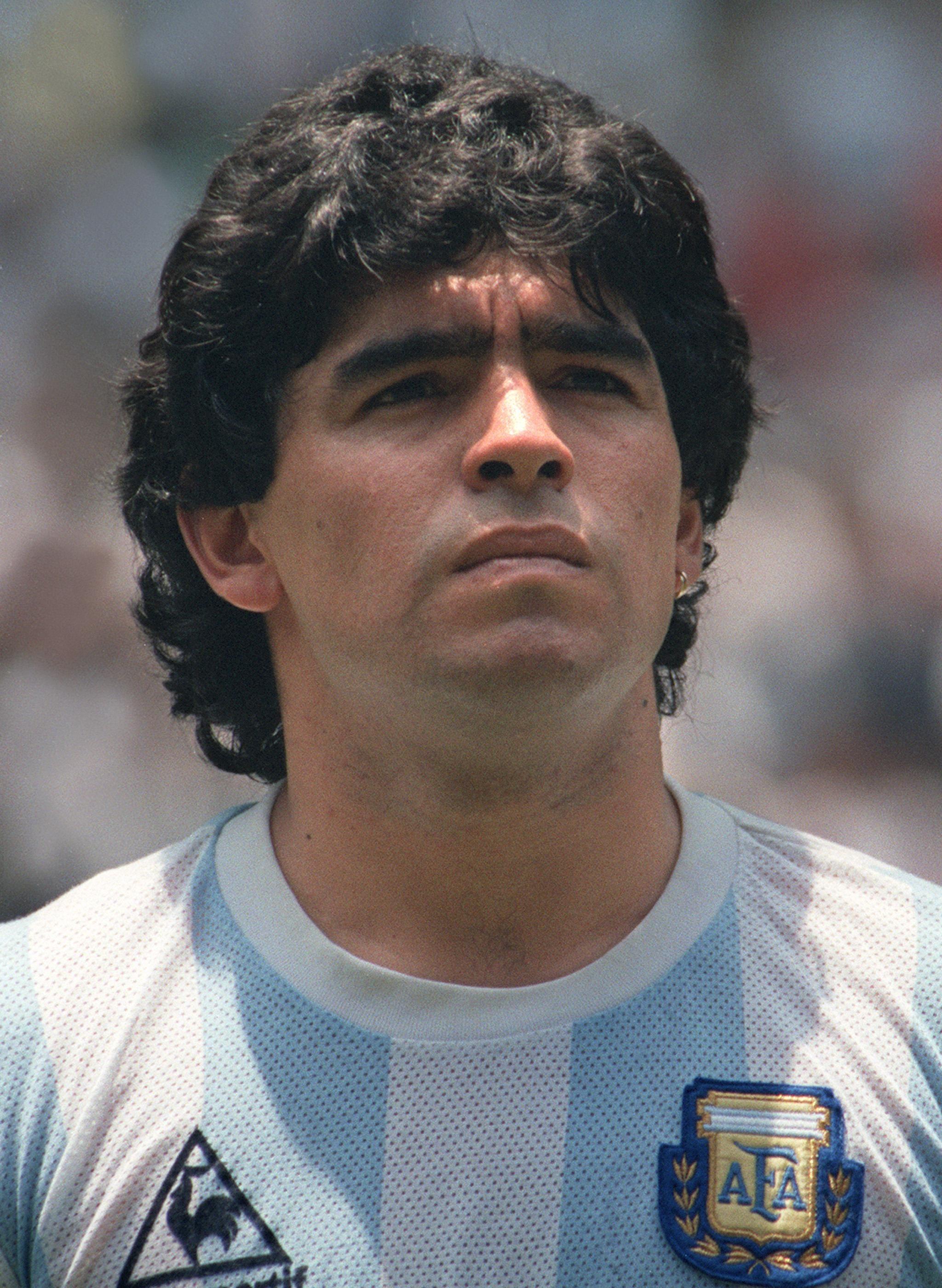 Lo slalom pazzesco di Maradona il gol più bello compie 25 anni