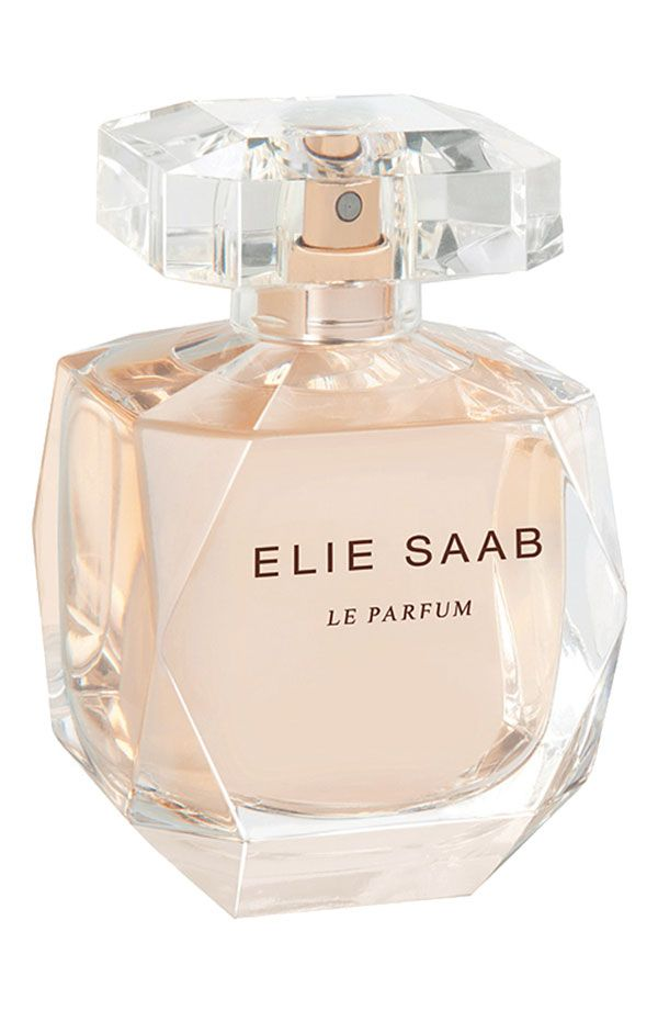 This lovely fragrance is a harmony of white flowers, cedar woods and a drop of honey. Perfect for an everyday feminine scent.