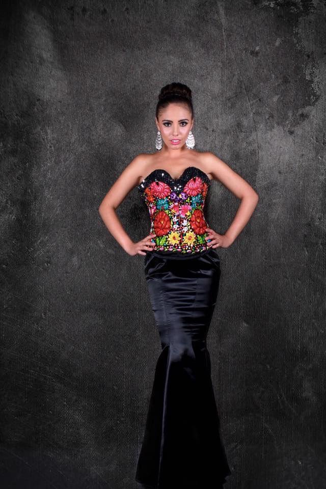 Gala Fabiola Calvo En 2019 Vestidos De Fiesta Mexicanos