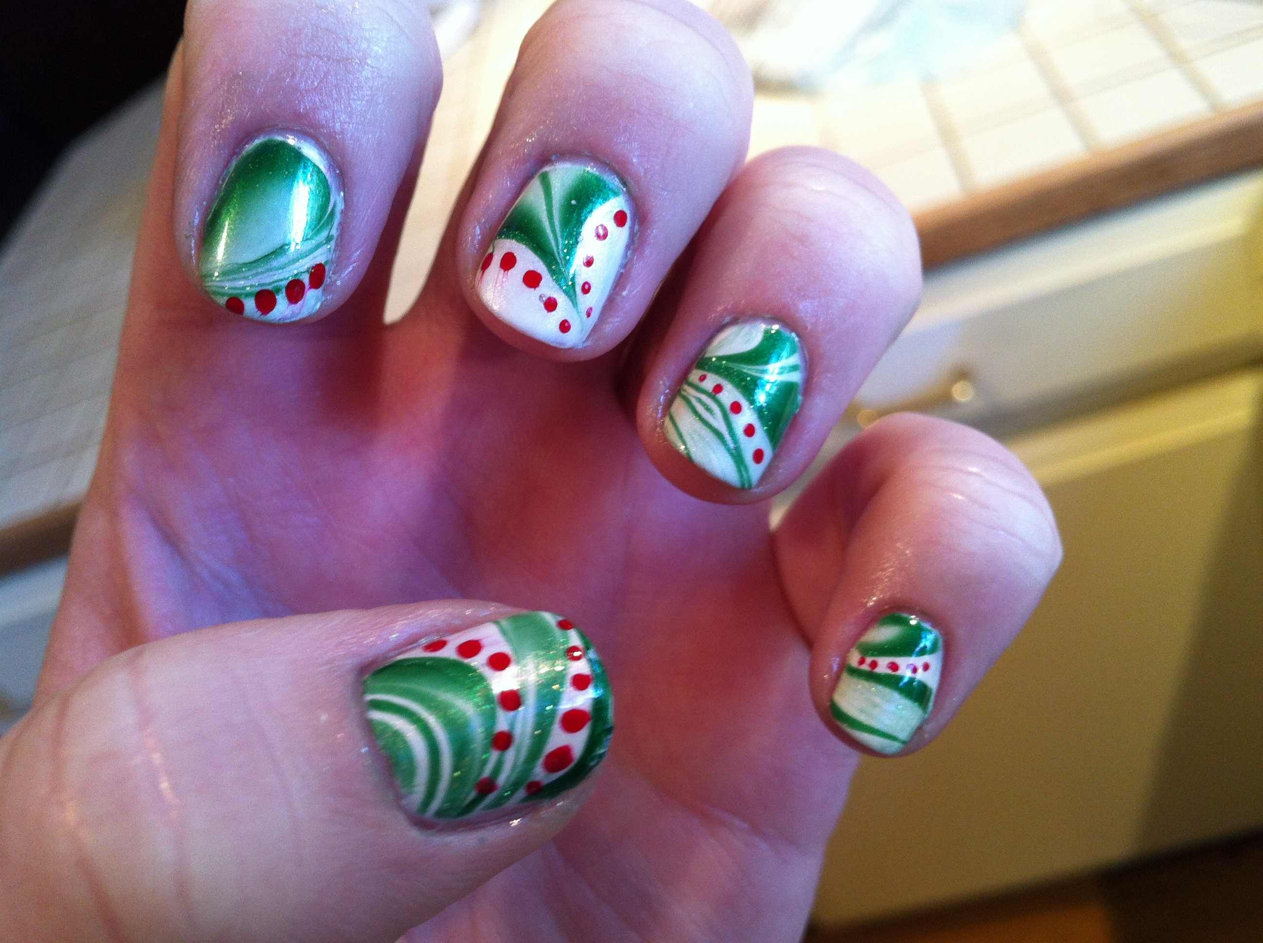 Christmas Water Marble created by goofyeuphy on Reddit