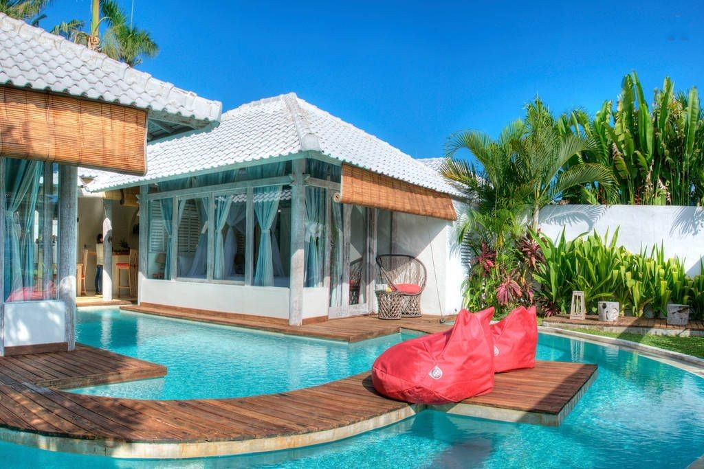 From Mini Zoo To Treehouse 11 Uber Cool Airbnb Villas To Stay In Bali Water Villa Bali Honeymoon Villas Bali Hotels