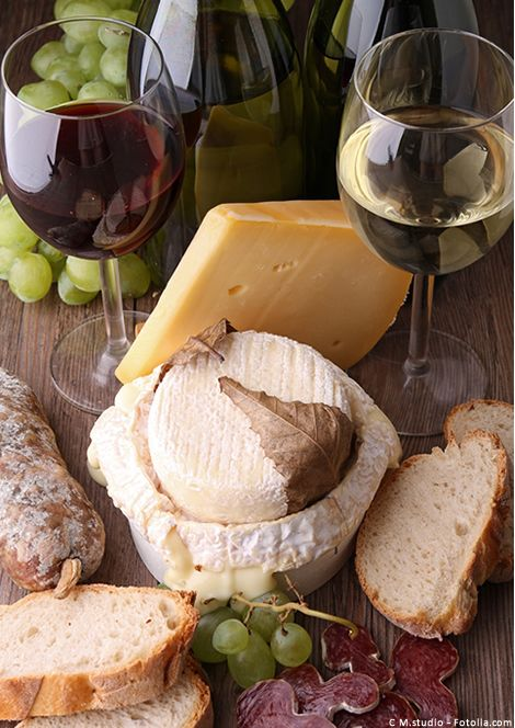 Wine and cheese Le vin et le fromage