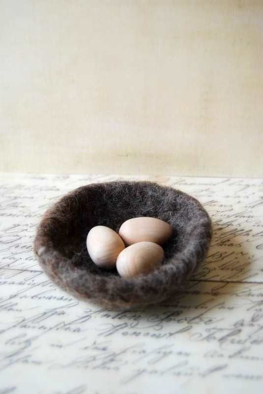Small Wool Nest and Natural Wood Eggs -