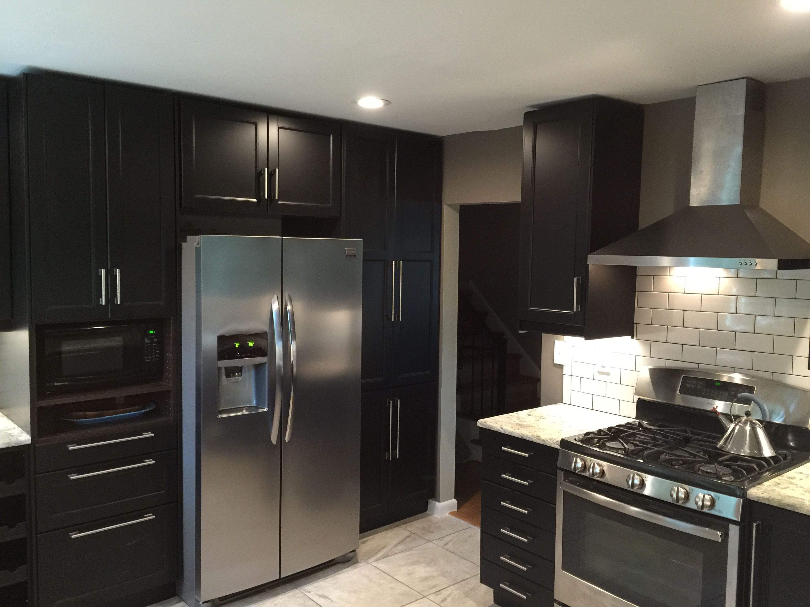 another view from our customer 39 s ikea kitchen laxarby doors and luftig hood our portfolio. Black Bedroom Furniture Sets. Home Design Ideas