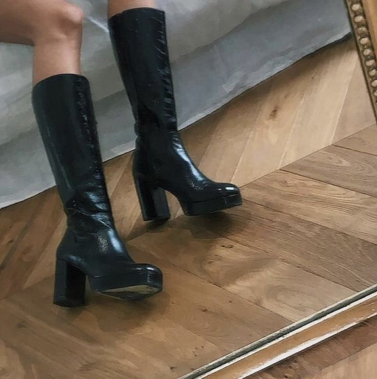 Pin by Tilda Fischer on footies in 2020 | Shoes, Sock shoes