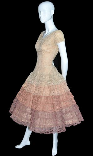 ~{Vintage lace 1950s party dress}....Wish they still made such cute party dresses like they used to!