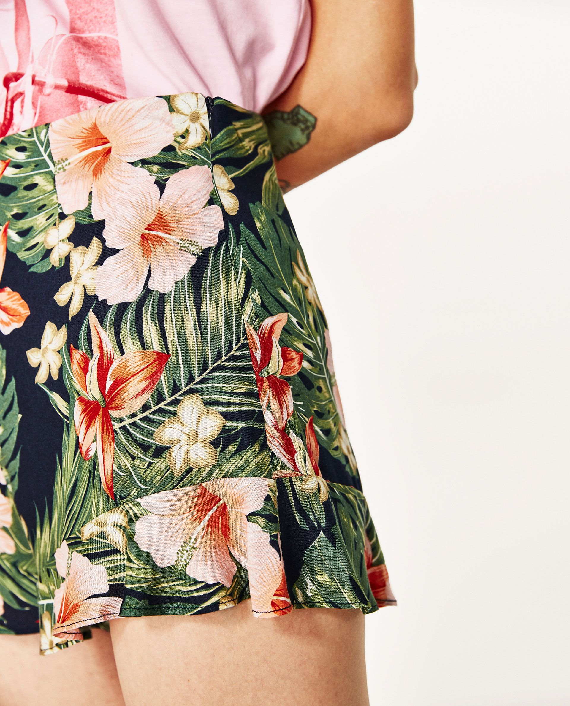 e0d5a472f7 RUFFLED FLORAL PRINT BERMUDA SHORTS   Zara 2   Floral prints ...